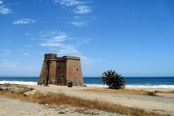 castillo-macenasDE844783-790D-10CB-9902-FC212E328365.jpg